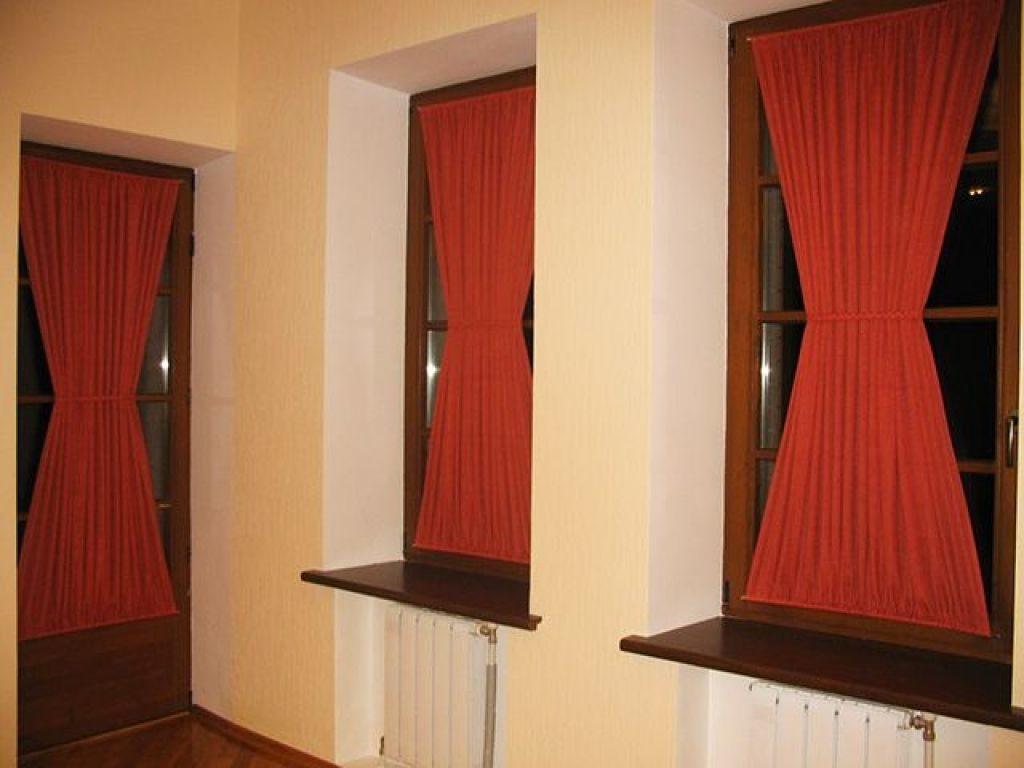 Штори і фіранки для міжкімнатних дверей